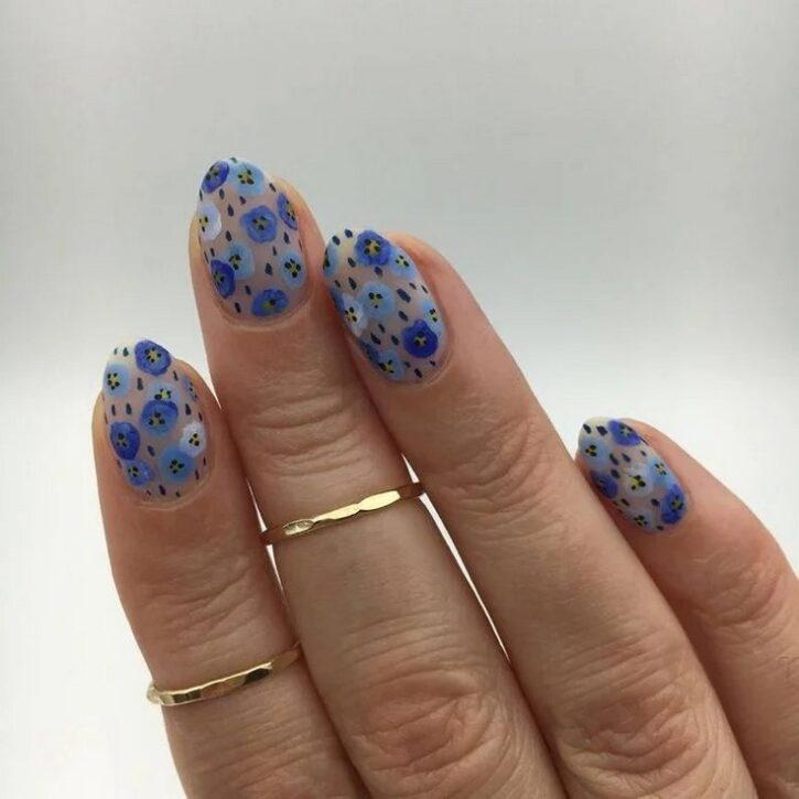 Модный дизайн ногтей в 2021 году